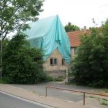 Die notgesicherte ehemalige Synagoge Allersheim, Foto: Rebekka Denz